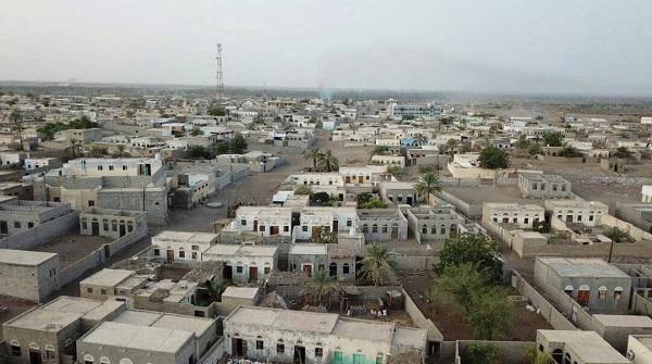 """قصف وقنص """"حوثي"""" استهدف المناطق السكنية والمواطنين في الدريهمي جنوب الحديدة"""