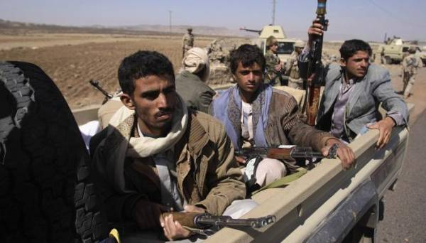 """بالوثيقة.. الحوثيون يستخرجون """"مرسوماً"""" من خزانة """"الإمام يحيى"""" ومشرفيهم يعممونه على المزارعين ويتوعدون من يخالف..!؟"""