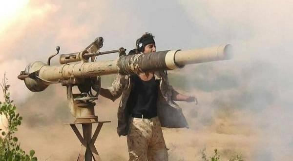 القوات الحكومية تستهدف رتلاً عسكرياً حوثياً في البقع بصعدة وتقتل وتجرح العشرات
