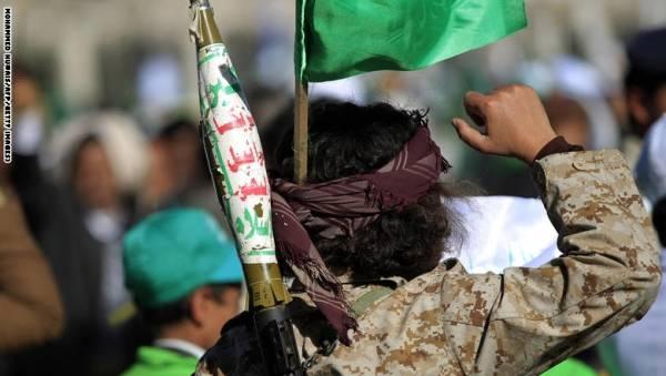 الحوثيون يصفون مجندين من إب أثناء محاولتهم الهرب من الجبهات (تفاصيل)