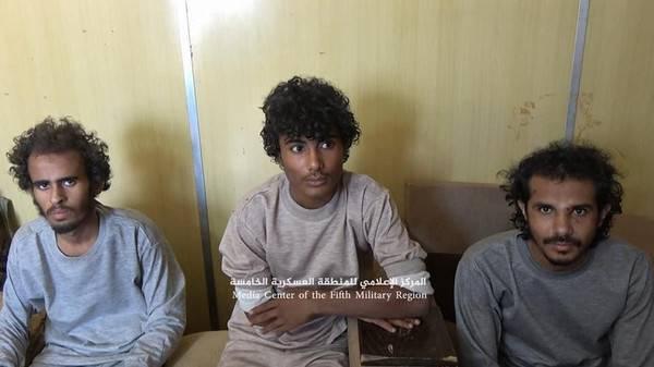 الجيش يأسر 4 حوثيين ويرسل أحدهم للعلاج بالسعودية