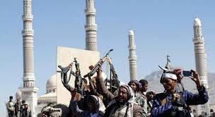 مليشيات الحوثي تلجأ إلى بث محاضرات قائدها لمنع أداء صلاة التراويح