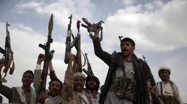 مليشيا الحوثي تحاصر مواطني التحيتا وتحرمهم من المساعدات الاغاثية