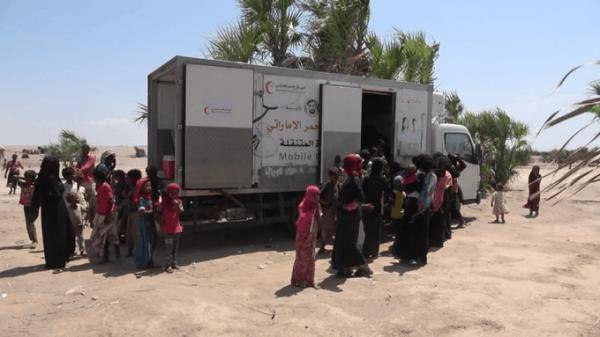 العيادات المتنقلة لهلال الامارات تواصل تقديم خدماتها المجانية للسكان في الساحل الغربي