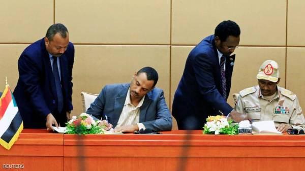 السودان.. ماذا يعني توقيع الإعلان الدستوري بالأحرف الأولى؟
