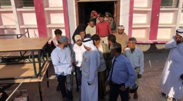 #الهلال_الإماراتي يضع حجر الأساس لإعادة تأهيل مكتبة الأطفال بـ #عدن