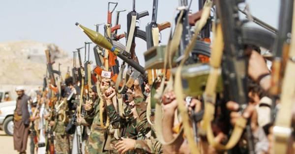 رئيس لجنة البرلمان البريطاني: لن تكون هناك محادثات سلام في اليمن دون إلحاق هزيمة بالحوثيين