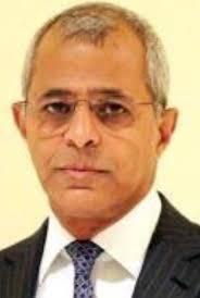 دبلوماسي يمني: وزراء الشرعية يعملون بطريقة الباعة المتجولين..!؟