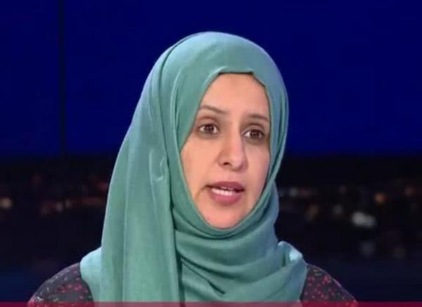 ناشطة حوثية تطالب جماعتها الإرهابية بالاعتذار للشعب اليمني