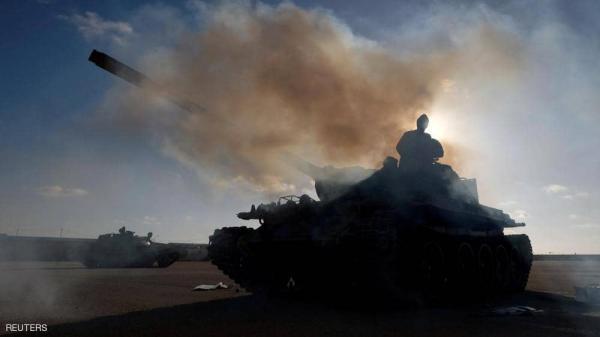 السراج يستعين بـ رجل الميليشيات للسيطرة على طرابلس