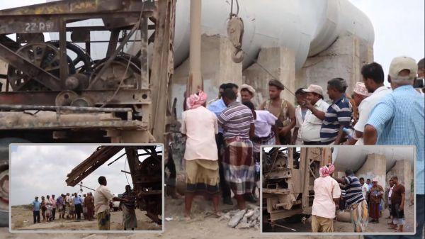 مدير عام المخا يدشن العمل بحفر آبار مياه للمدينة - (فيديو)