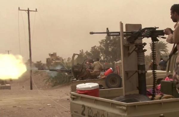 المشتركة تحقق إصابات مباشرة في مواقع ومخابئ حوثية استهدفت مدينة حيس